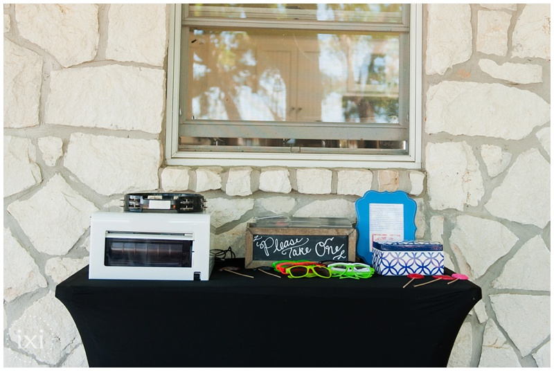 orange-blue-dogs-wedding-heart-of-texas-ranch_0024