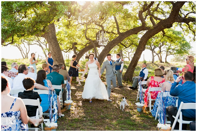 orange-blue-dogs-wedding-heart-of-texas-ranch_0046