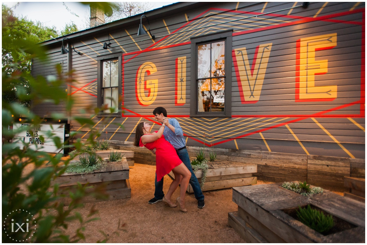 mary-moore-searight-park-austin-engagement-photos_0016